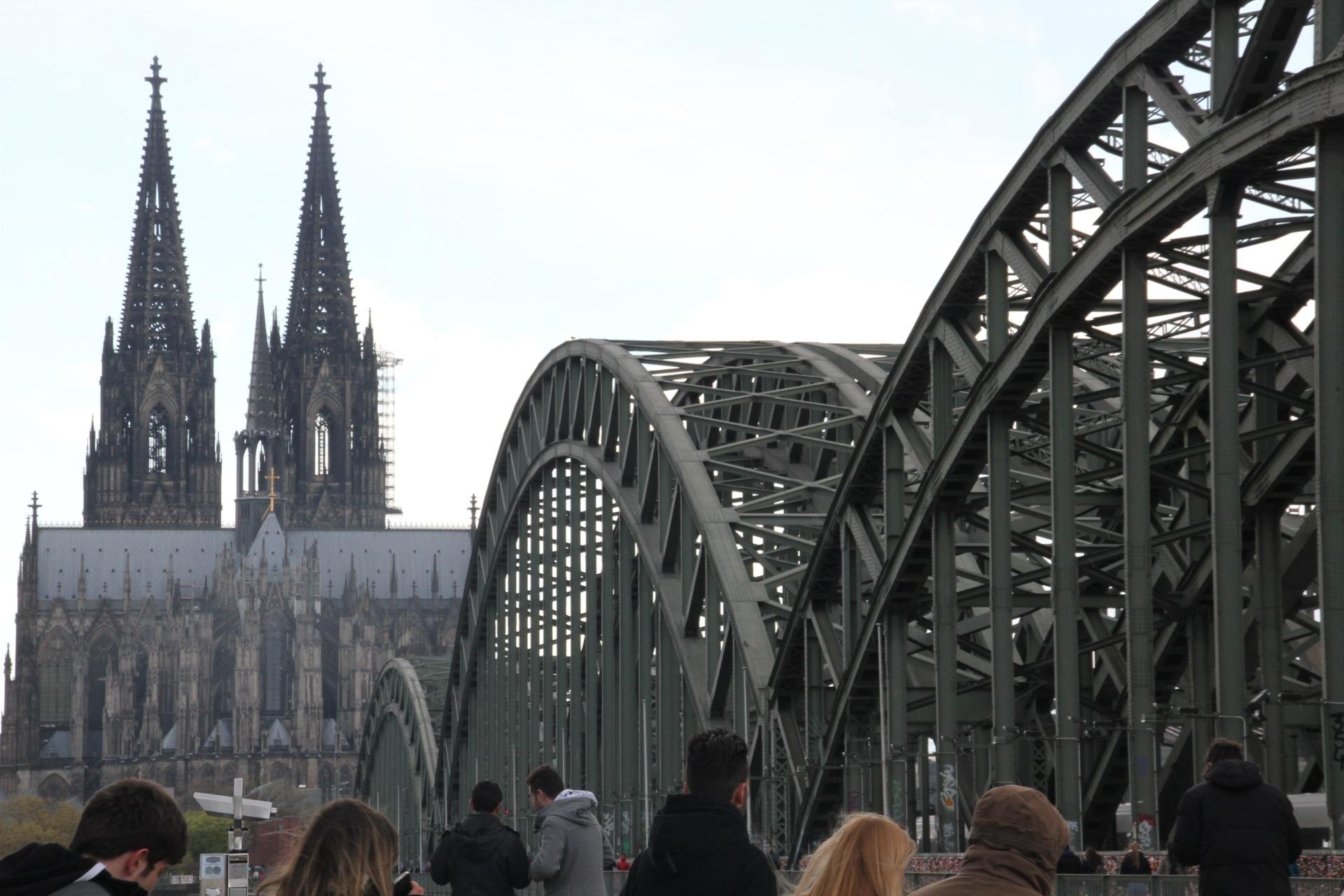Köln, Travel Drift