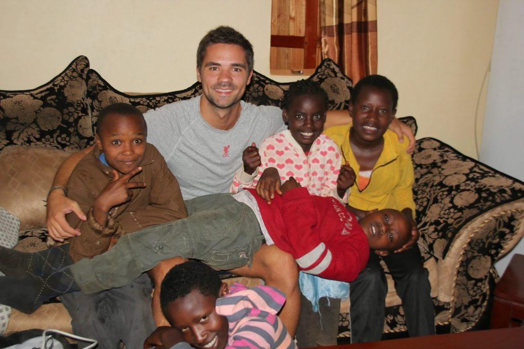 Mutunduri, Kenya, Travel Drift